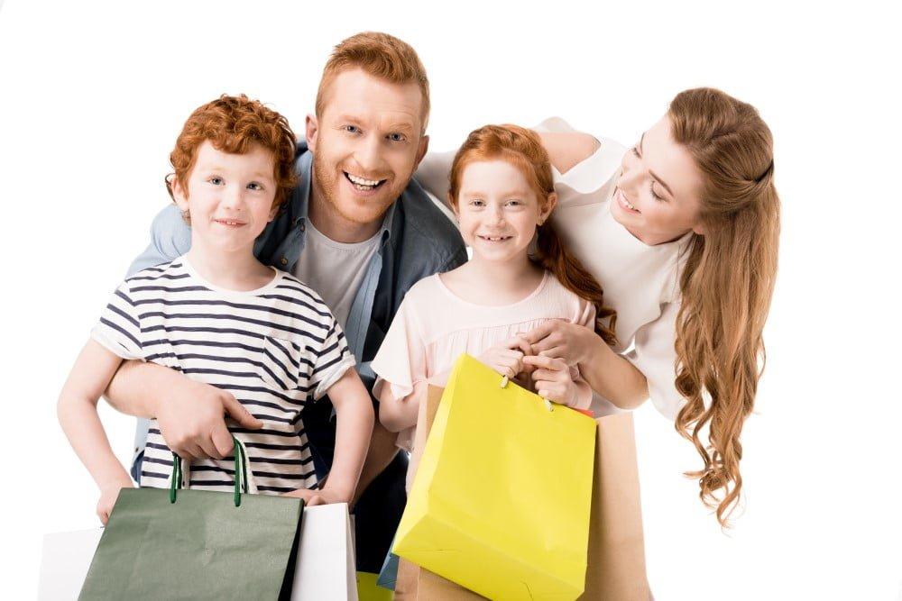 Familie der er på shopping